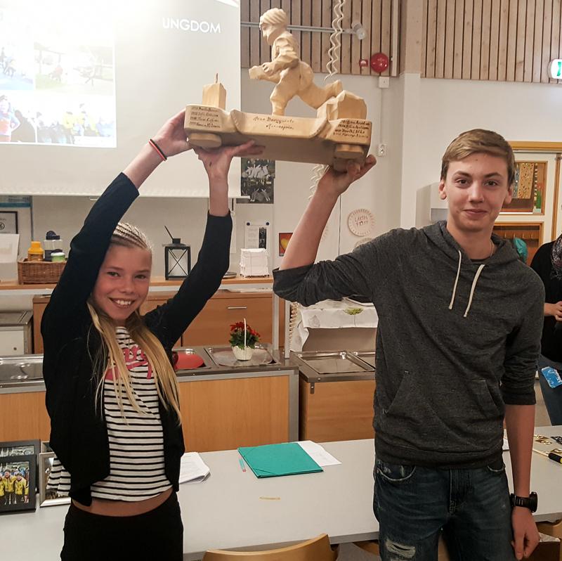 Två av klubbens och kanske Sveriges största ungdomastalanger är Moa Birkebaek och Viktor Svensk. De fick ta emot priset för segern i 10milas Ungdomskavle. Tilda & Mattias Östberg var också med i laget men var inte på plats, de var istället på Idretävlingarna i skidor.